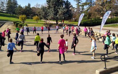 Mujeres de todas las edades participan en Madrid en la Quedada de Running Femenino de la 10KFem 2020